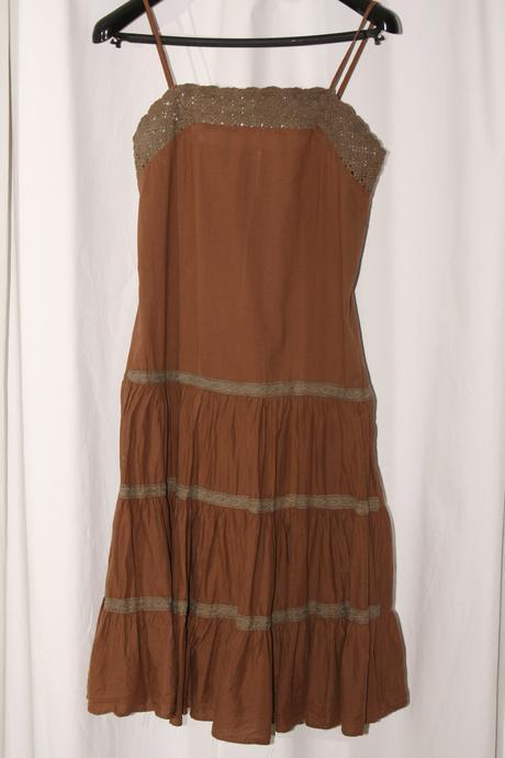 Letné hnedé šaty vo veľkosti , M