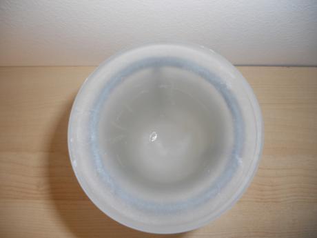 Svietnik kovovo sklenený na plávajúci kahanček.,