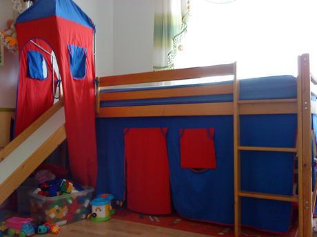 Vyvysena postel so smykackou,vezou,madrac-90,200,