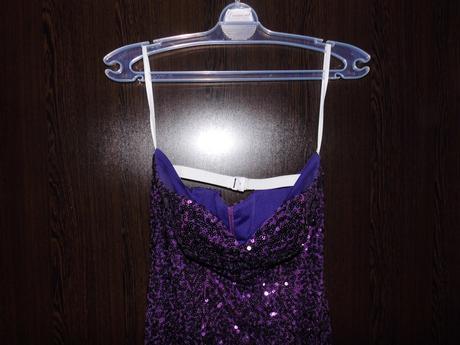 flitrové šaty, 42