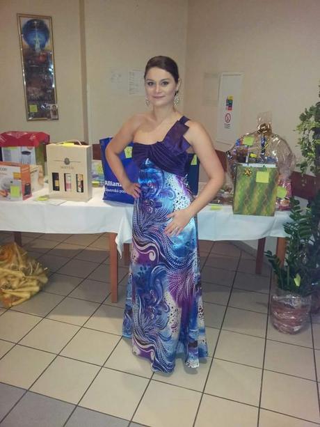 RôznoFarebné šaty vel.38/M + náušnice, 38
