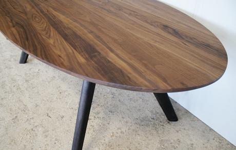 Stôl ELYS, masívny orech,