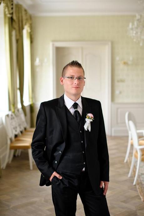 Svadobny oblek, 52