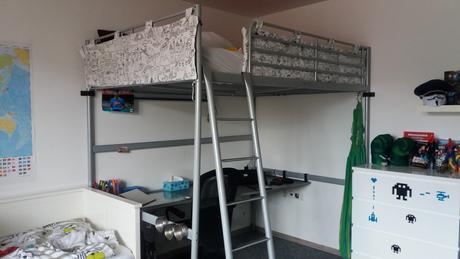 poschodovu kovovu postel ikea,