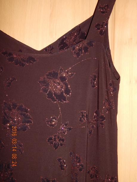 společenské třpytivé šaty, 42