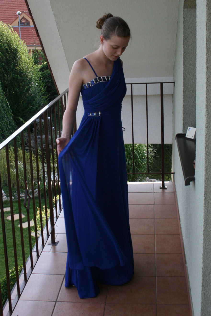 Elegantné modré spoločenské šaty 9a85513d3e0