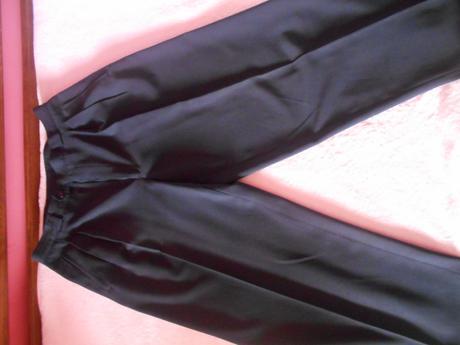 Ponúkam pánske elegantné nohavice , 46