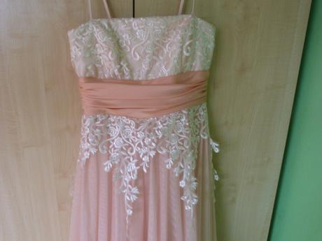 Dlhé bieloružové šaty, 38