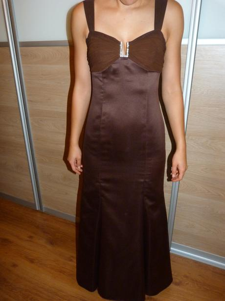 dlhé hnedé šaty, 38