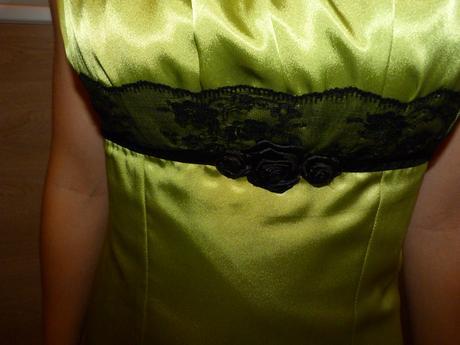 Zelené šaty + čierne bolerko , 36