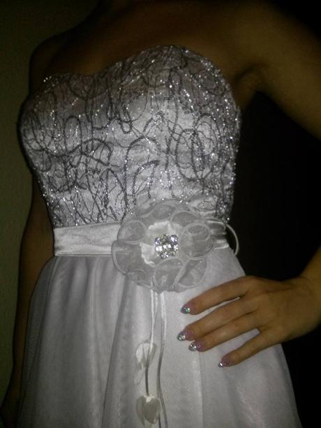 nádherné biele šaty, 38