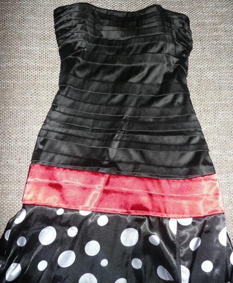 Príležitostné šaty, 36