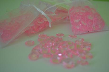 Dekorační růžové kamínky/diamanty ,