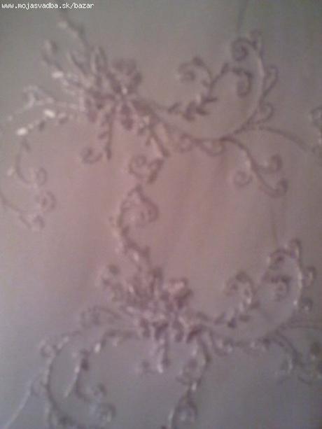 Pekné svadobné šaty s čipkou. , 40