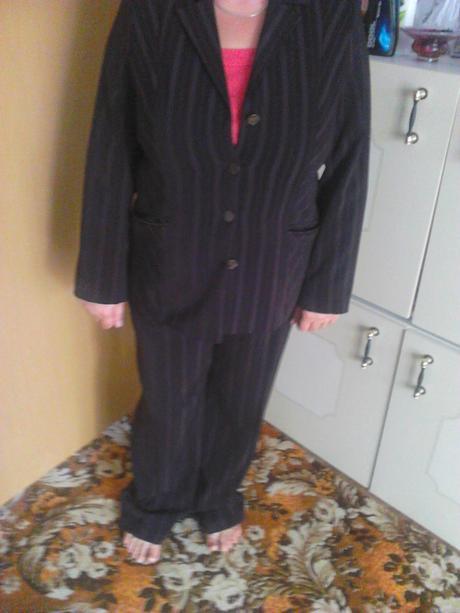 Nohavicový kostým, 52