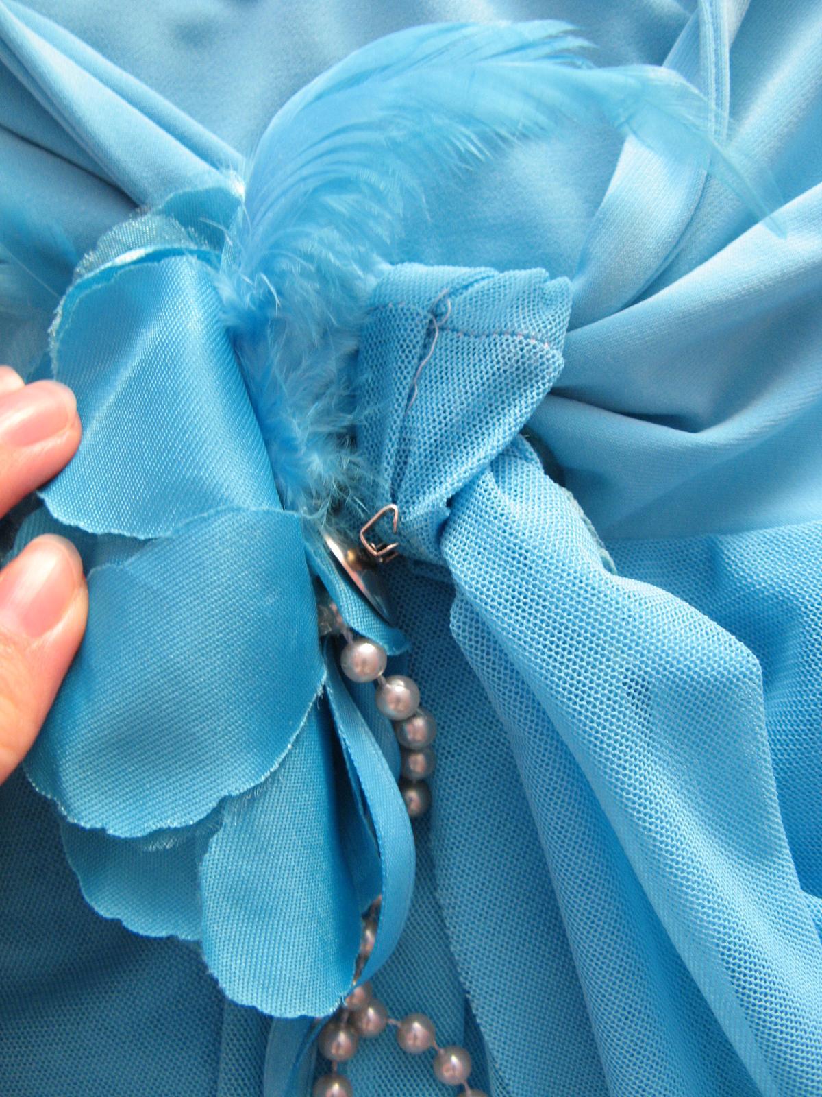 fc1b2ee363a8 Krátke bledomodré šaty - cena s poštovným