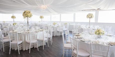 Biele Chiavari stoličky ,