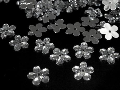 Plastové květiny čiré (100ks),