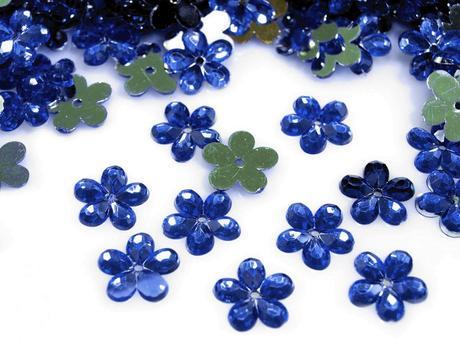 Plastové květiny modré (100ks),