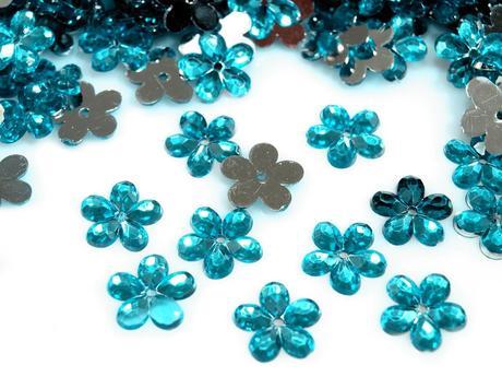 Plastové květiny tyrkysové (100ks),