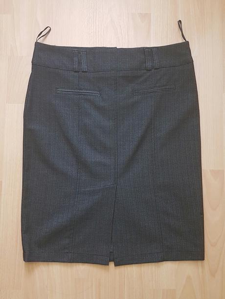 Čierna sukňa, veľkosť 42 len za 3 eurá , 42