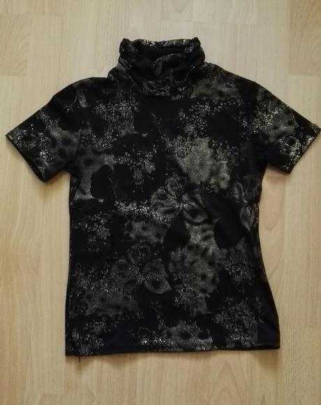 Elegantné čierne tričko so zlatým vzorom , S
