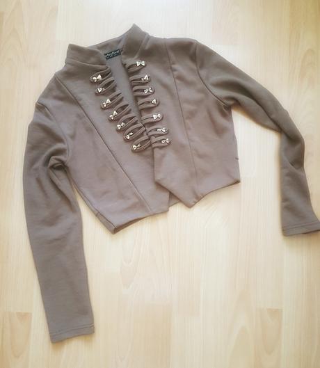 Krátky hnedý kabátik, veľk. S/M - len 1,50 eur , M
