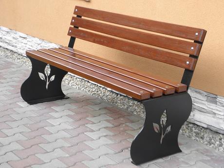Záhradná lavička,