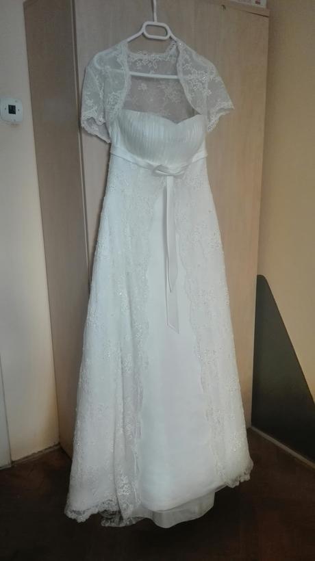 Krajkové romantické šaty, 38