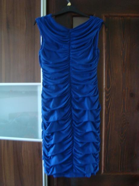 Formujúce spoločenské šaty, 46