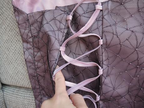 korzetové šaty , 36