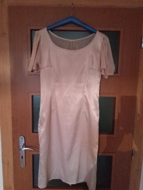 spoločenské šaty, 42