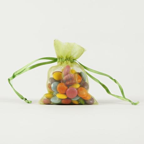 Darčekové vrecúška z organzy zelené 7,5 x 10 cm,