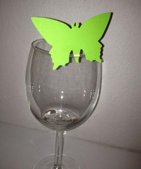 Menovky na poháre motýle,
