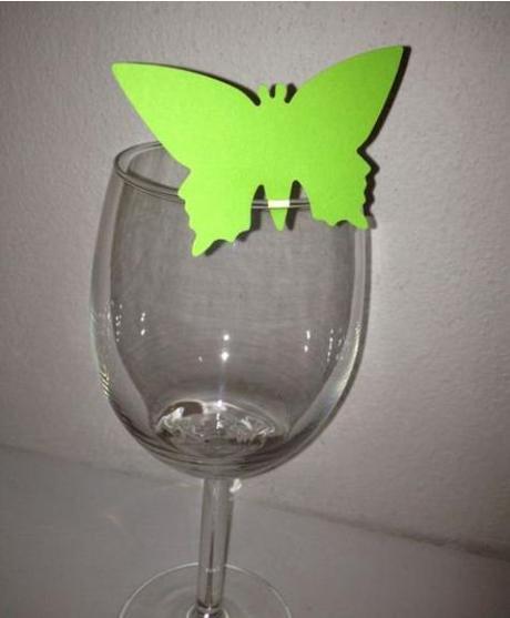 Menovky v tvare motýľa,