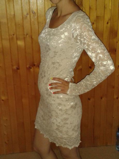 Čipkované šaty, M