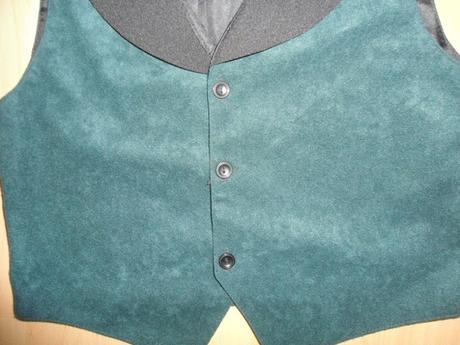 chlapcenska zeleno-cierna vesta, 128