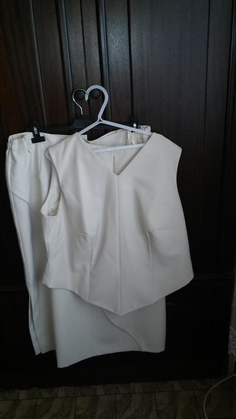 Suknovy kostym, 50