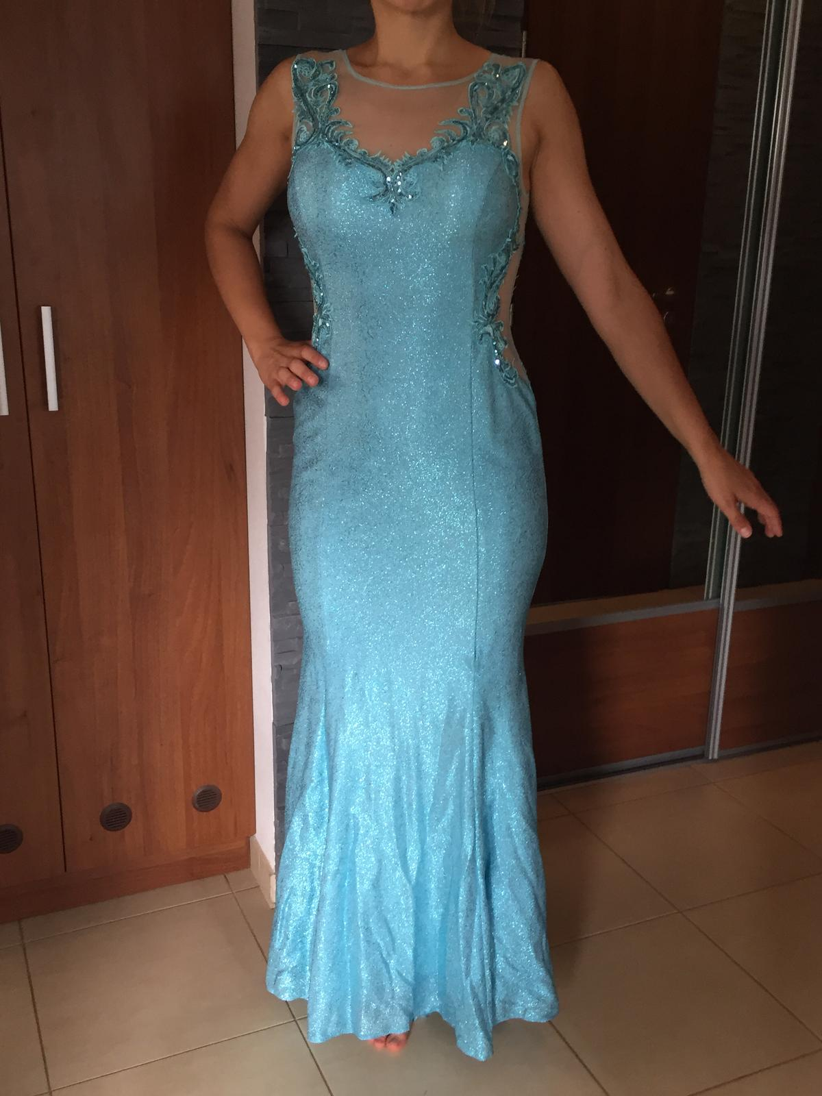 Luxusné plesové šaty 12d8f1f3016