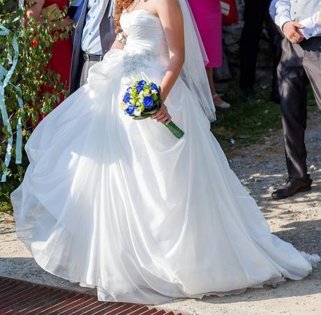 svadobné šaty, vhodné aj pre tehotné, 40
