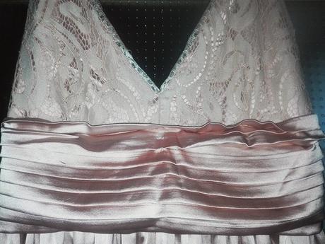 starorůžové saténové dlouhé šaty krajková ramínka, 34
