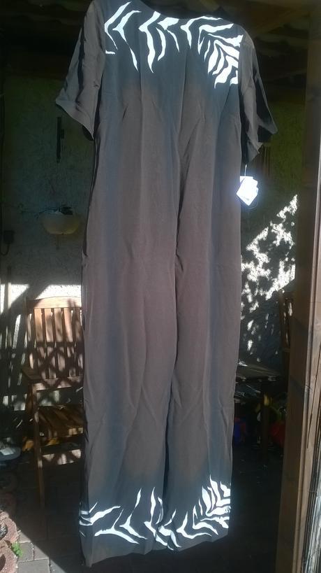 Dlouhé společenské šaty, 36