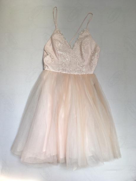 fa1bc41e627f Pudrově růžové šaty chi chi london s tutu sukní