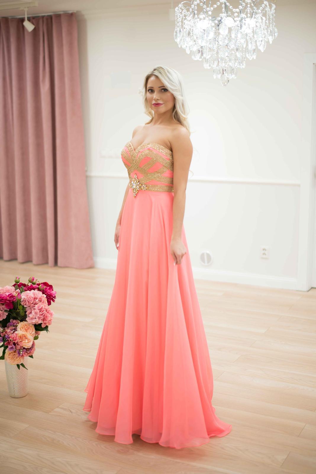 cce0a6453638 Spoločenské šaty predaj kvalitné