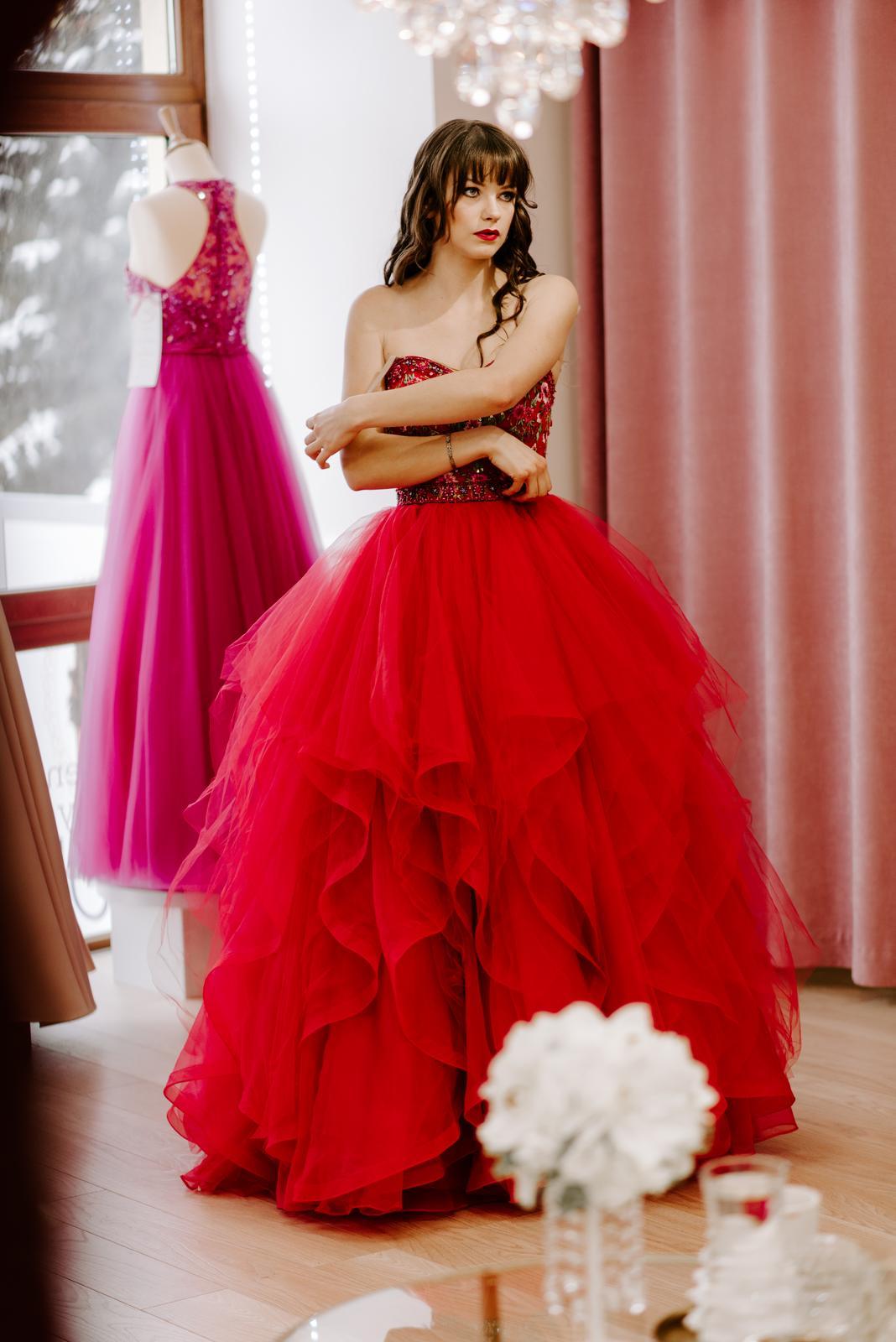 98c3f25946f9 Spoločenské šaty predaj outlet