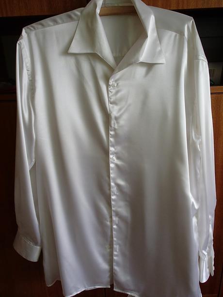 Biela saténová košeľa, 42