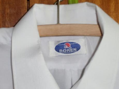 Biela slávnostná košeľa, 42