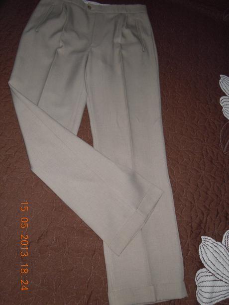 Oblek, L