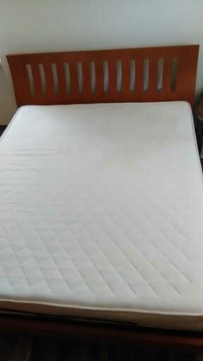 Manželská postel,