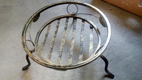 Kovaný stojan,